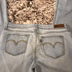 Levi's light wash denim jeans